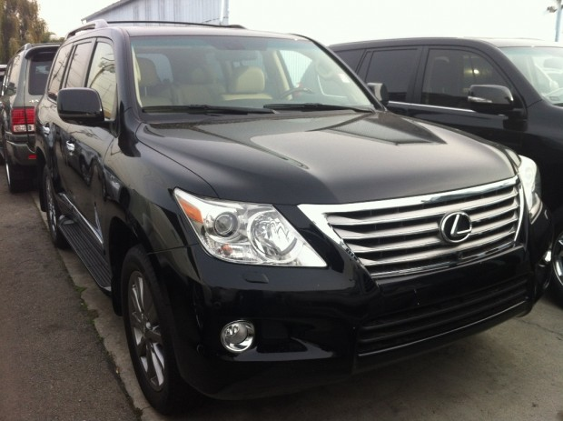 2010 lexus lx570 beverly motors inc glendale auto leasing and sales new car lease specials. Black Bedroom Furniture Sets. Home Design Ideas