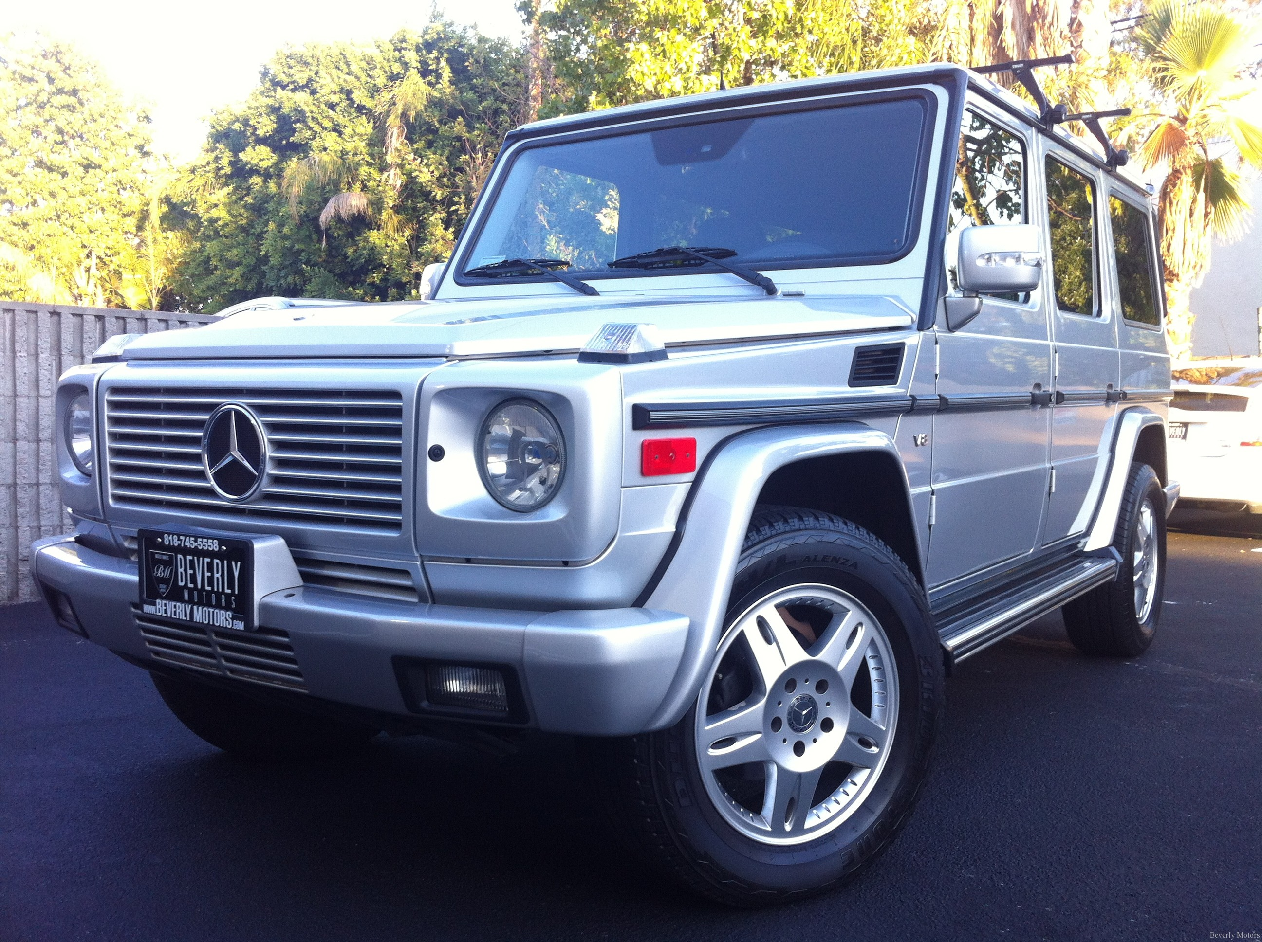 Beverly motors inc glendale auto leasing and sales new for Mercedes benz g class used 2003