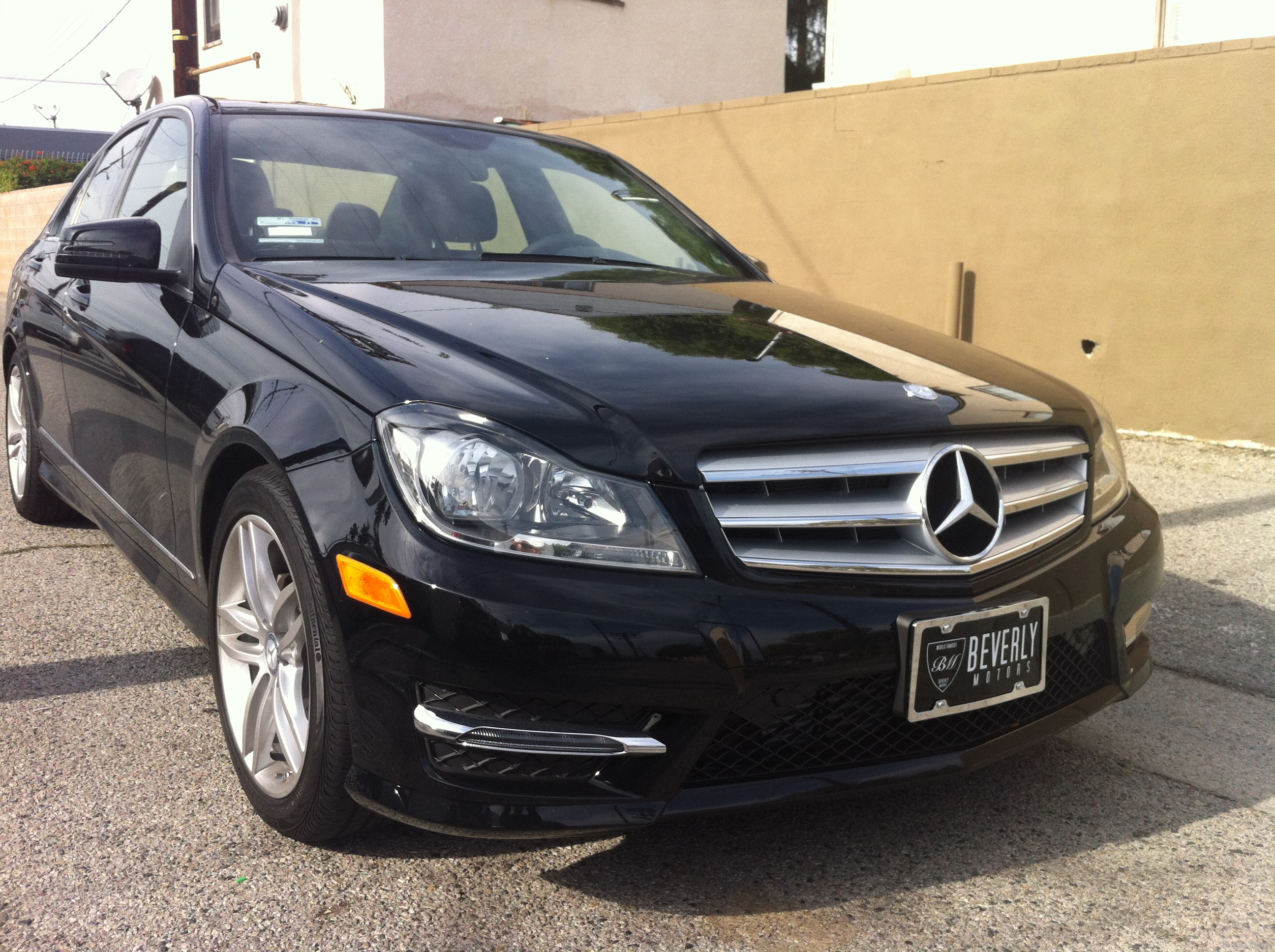 Beverly motors inc glendale auto leasing and sales new for Mercedes benz hollywood