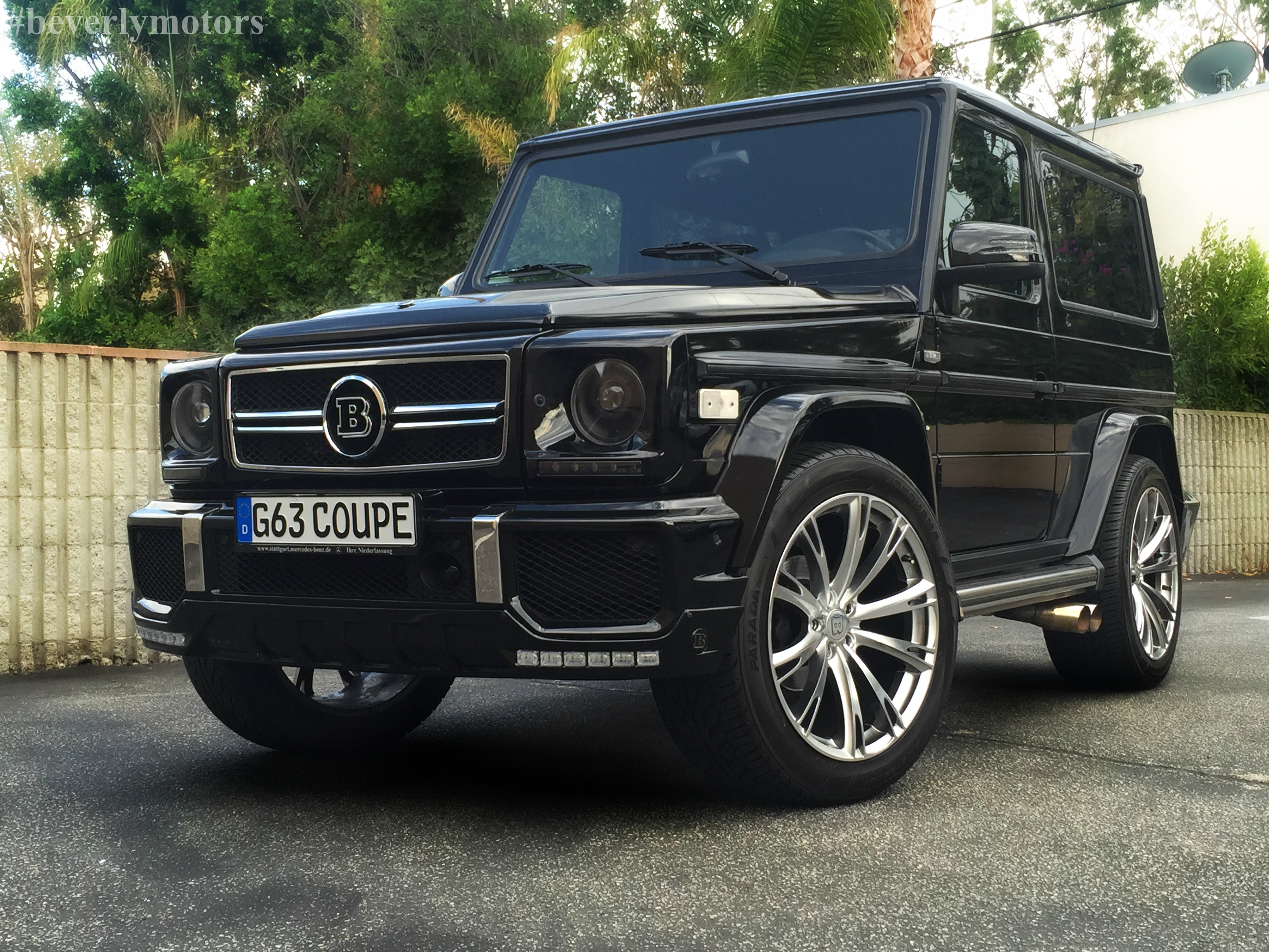 Beverly motors inc glendale auto leasing and sales new for Mercedes benz g class black