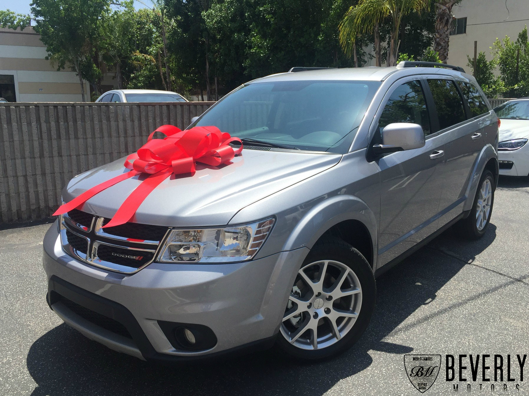 Beverly motors inc glendale auto leasing and sales new for Motor village dodge los angeles